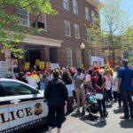 Βενεζουέλα: «Ντου» στην πρεσβεία της χώρας στις ΗΠΑ από αστυνομικούς!