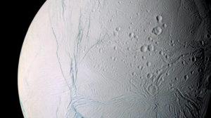 Αυξάνονται οι πιθανότητες εξωγήινης ζωής: Τι ανακαλύφθηκε στον Εγκέλαδο του Κρόνου