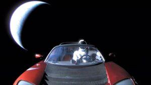 Το κόκκινο Tesla του Έλον Μασκ μόλις προσπέρασε τον Άρη