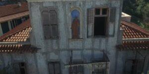 Το εγκαταλελειμμένο σπίτι με την «πήλινη γυναίκα» στην Αθήνα